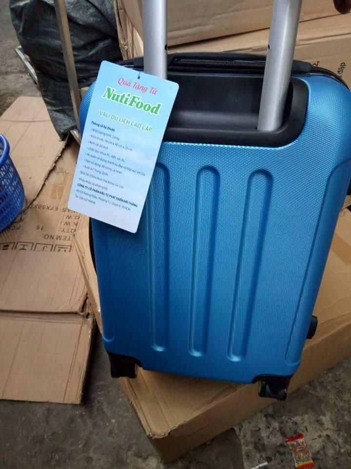 vali kéo quà tặng từ sữa nutifood